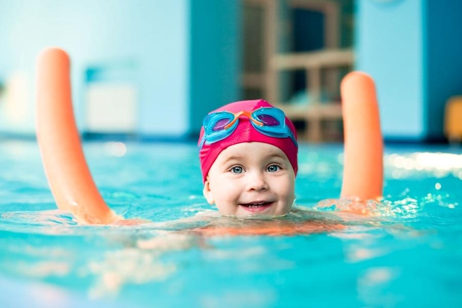 плавание грудничков в бассейне фото